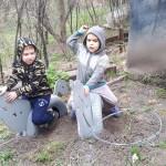 Семахин Рома играет с братом